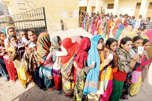 Over 70 per cent turnout in Kashmir and Jharkhand